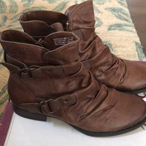 Bass brown ankle booties